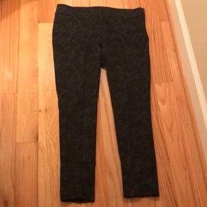 Ann Taylor size 12 Black floral Print Pant